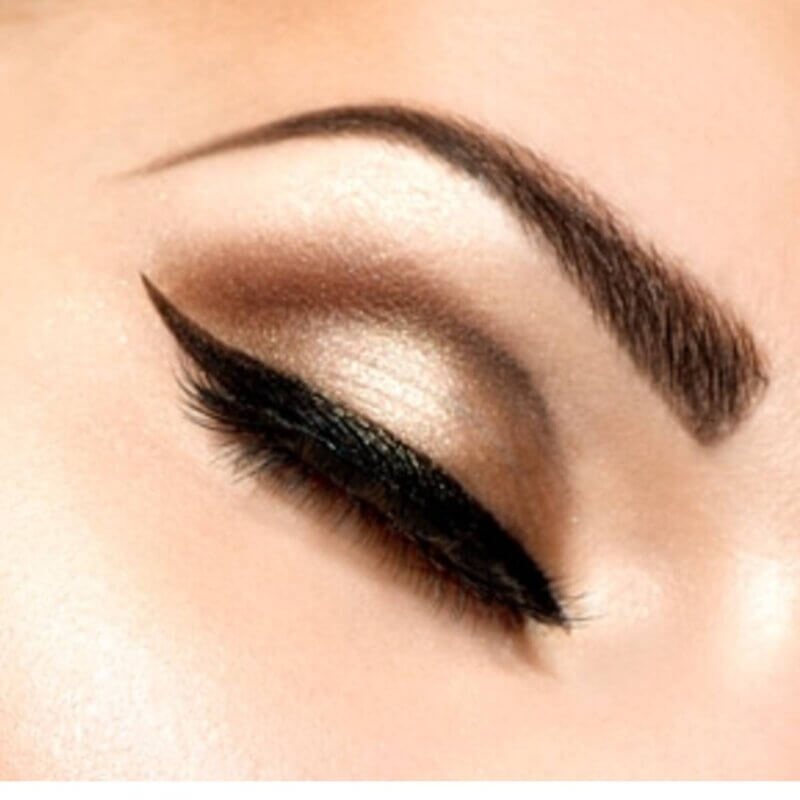 EYELINER-HUDA-BEAUTY-SEAL-HEART