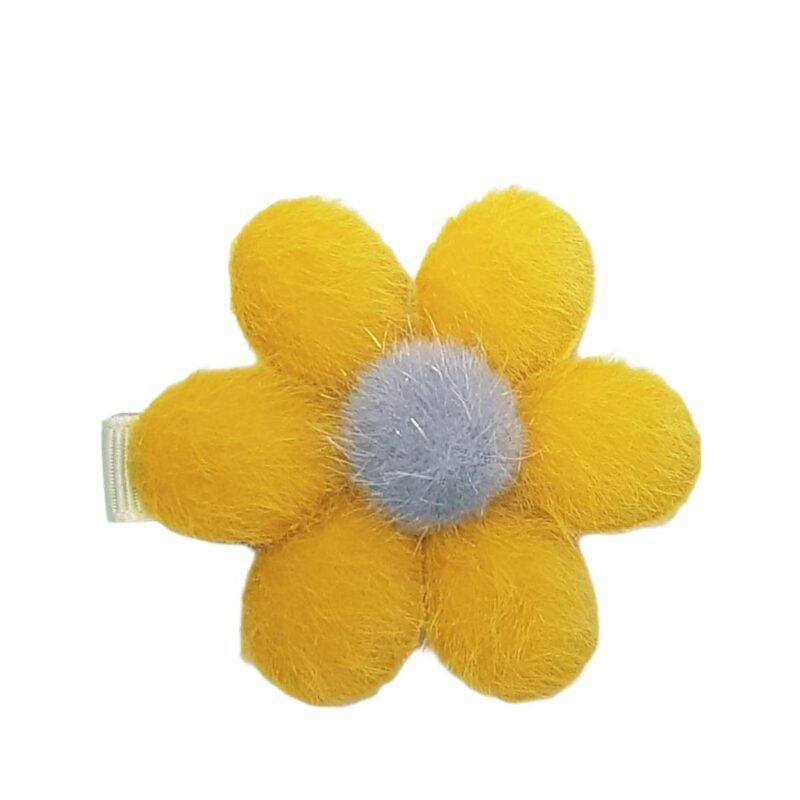 flower-hair-clip-girl