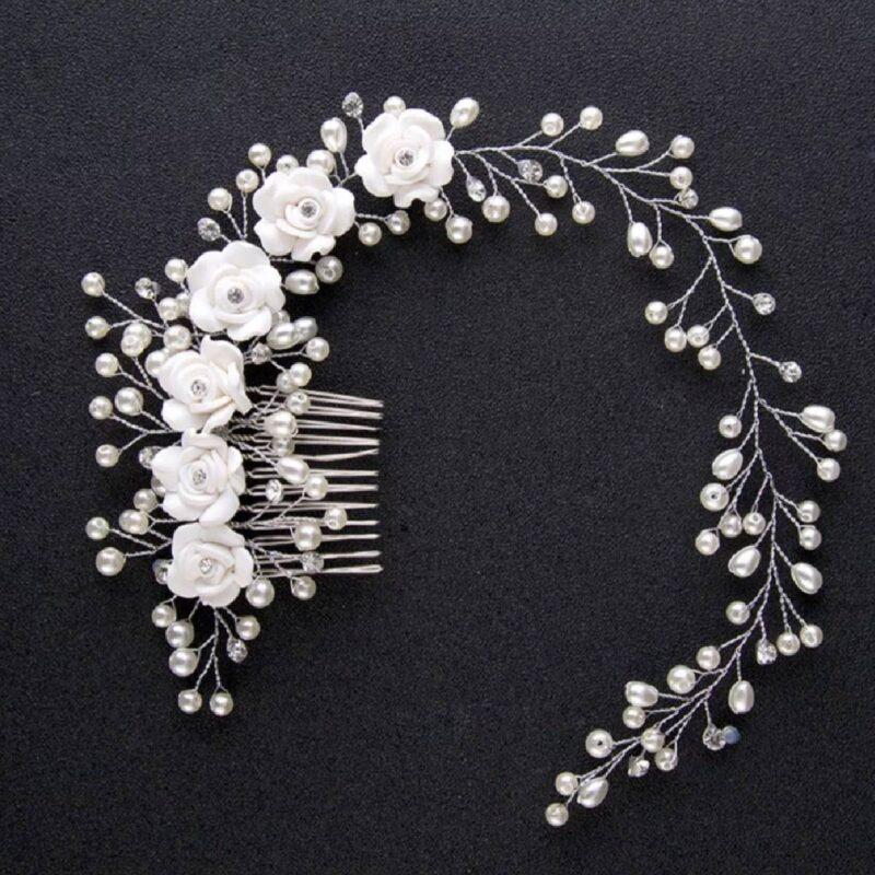 bridal-style-hair-white-flowers