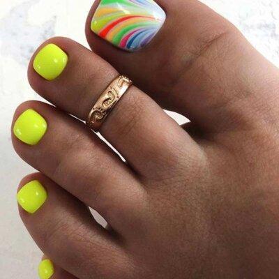 Summer-Toe-Nail-Design